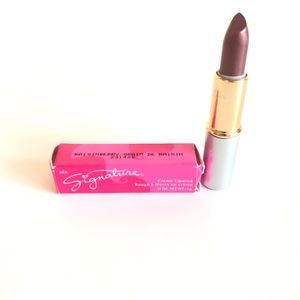 "Mary Kay Signature Lipstick ""Raisinberry"""